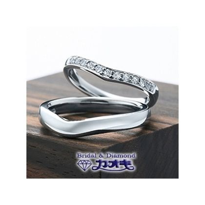 【カオキ ダイヤモンド専門卸直営店】柔らかな細身のVラインでフィット感のある付け心地【アールV】