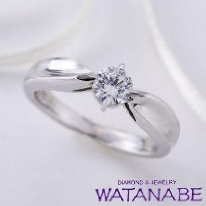 【WATANABE / 卸商社直営 渡辺】[WATANABE]リボンのような可愛らしいエンゲージ