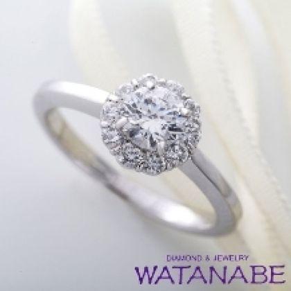 【WATANABE / 卸商社直営 渡辺】[WATANABE]まるでお花のようにキュートなデザイン。指元に華やかさをプラス