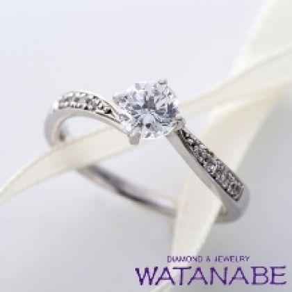 【WATANABE / 卸商社直営 渡辺】[WATANABE]指元をスタイリッシュに見せるのに効果的なエンゲージリング