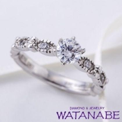 【WATANABE / 卸商社直営 渡辺】[WATANABE]クラシカルに施されたミル打ちの個性的なデザインに魅了される