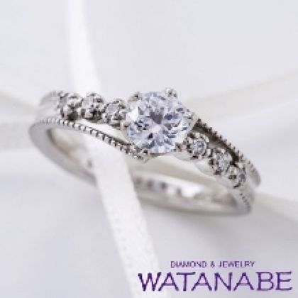 【WATANABE / 卸商社直営 渡辺】[WATANABE]繊細なミル打ちが施されたクラシカルなデザイン
