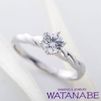 【WATANABE / 卸商社直営 渡辺】[WATANABE]シンプルな中にもアームに捻りで個性を加えたデザイン