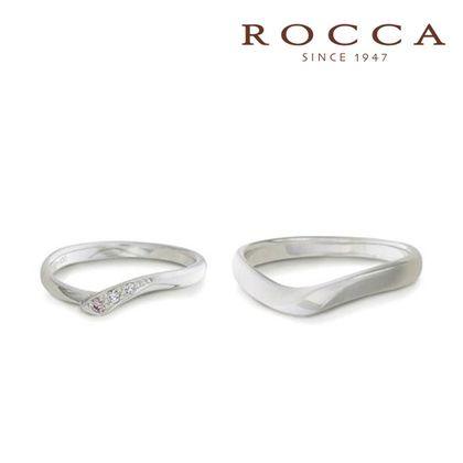【ROCCA(ロッカ)】【ROCCA】さりげないピンクダイヤが可愛い!シンプルで仕事中も着けやすいマリッジリング