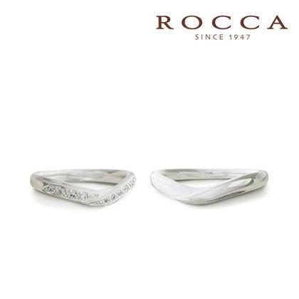 【ROCCA(ロッカ)】【ROCCA】重ね着けにもぴったり!V字のマリッジリング