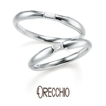 【VANillA(ヴァニラ)】<pipi> 中央の絞られところにバゲットダイヤがポイントになっている結婚指輪