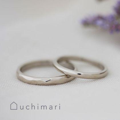 【uchimari(ウチマリ)】ホワイトゴールドのゆるふわ結婚指輪