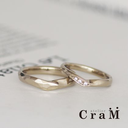 【atelier CraM(アトリエ クラム)】アレンジ違いのお揃いVラインマリッジ【手作り】