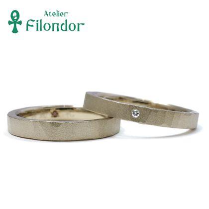 【アトリエフィロンドール】【アトリエ・フィロンドール】シャンパンゴールドのハンマー艶消し結婚指輪