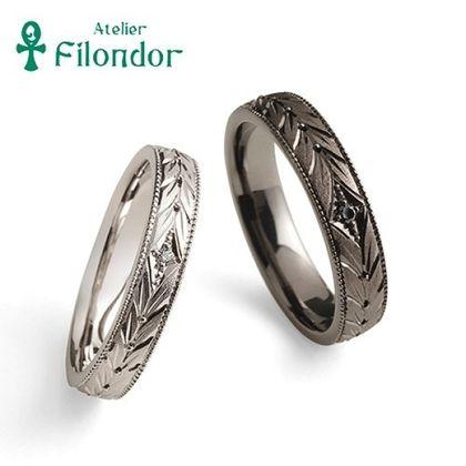 【アトリエフィロンドール】【アトリエ・フィロンドール】MIORING 向かい合う月桂樹の彫刻が華やかに祝福する鍛造結婚指輪 月桂双樹 -げっけいそうじゅ-