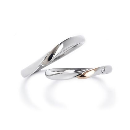 【Bridal salon Towage by OKADA本店】同じダイヤ原石から作る結婚指輪 クレッセントブーケ