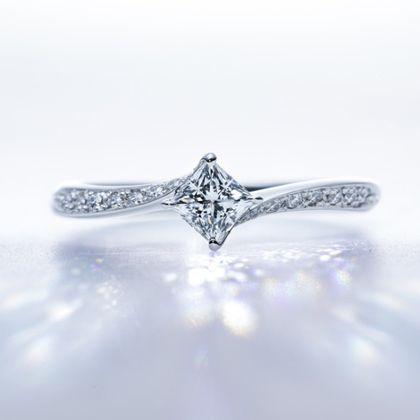 """【BRIDGE ANTWERP BRILLIANT GALLERY(ブリッジ・アントワープ・ブリリアント・ギャラリー)】""""Lightning"""" Side wave line Diamond Ring """"ライトニング"""" ダイヤモンド サイド ウエーヴ ライン リング"""