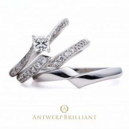 "【BRIDGE ANTWERP BRILLIANT GALLERY(ブリッジ・アントワープ・ブリリアント・ギャラリー)】""Lightning"" Side wave line Diamond Ring (set)"