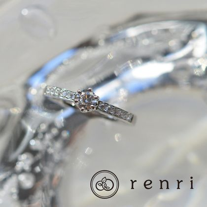 【renri(レンリ)】【手作り・オーダーメイド】づくり・オーダーメイド】煌びやかなダイヤモンドが輝きを放つエンゲージリング