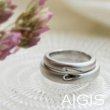 【AIGIS(旧:Jewel HAMA(ジュエルはま))】手作り結婚指輪 ハートの重ね刻印