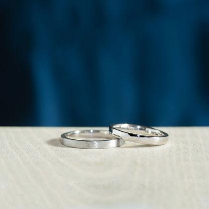【横浜元町彫金工房】【ふたりでつくる結婚指輪】メンズK18WG(ヘアライン仕上げ)&レディースK18WG(クリア仕上げ)