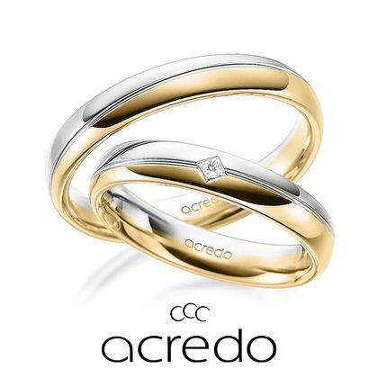 【acredo(アクレード)】2色を使った欲張りなコンビ、着け心地の良い甲丸が特徴