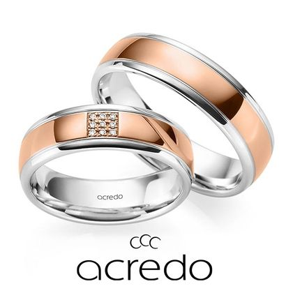 【acredo(アクレード)】リング中央にダイヤを敷きつめ、指元を華やかに