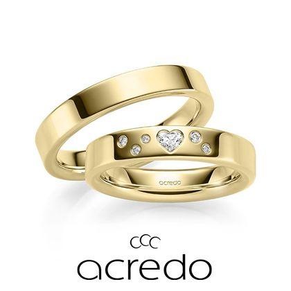 【acredo(アクレード)】ハートカットのダイヤをあしらってロマンティックな雰囲気に