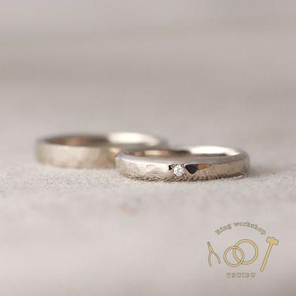 【ついぶ工房】【二人の想いが詰まった手作り結婚指輪】K18ホワイトゴールド・槌目型/甲丸鎚目型・鏡面仕上げ/マット仕上げ