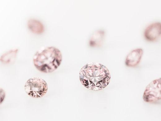 1/10,000といわれる奇跡の石ピンクダイヤモンドオーダー