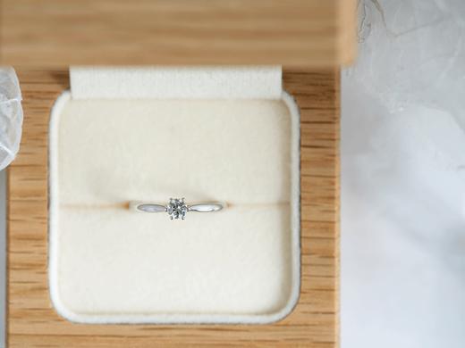 【プロポーズを応援!】サンプルリングプロポーズで「ダイヤモンド鑑定書」or「デスティニーダイヤモンド」プレゼント