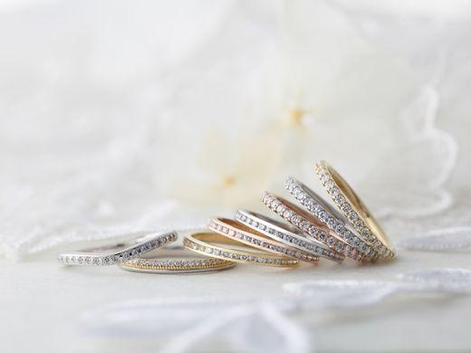 対象の指輪ご購入の方に無料でメレダイヤモンドのグレードアップサービス